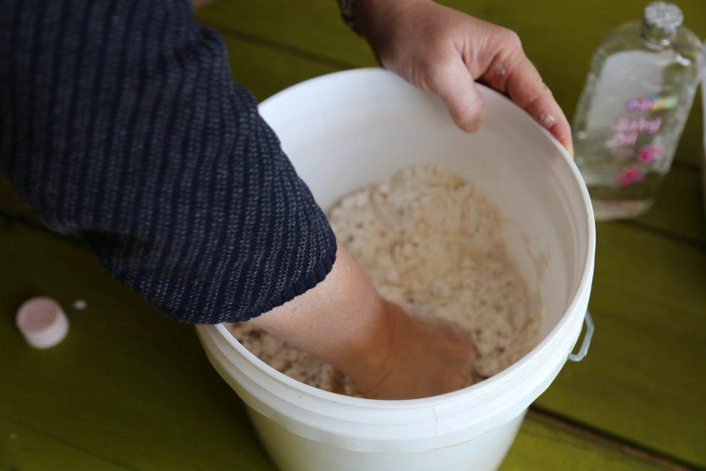 Sand slime mixing